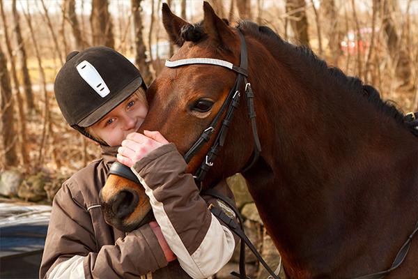 Decouverte de l'équitation à poney ou à cheval initiation balade centre equestre de la dame blanche chaponost lyon rhone